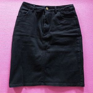 "Modcloth ""Ready and Rarin"" black skirt"